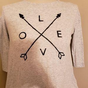 EUC Old Navy High-Low 3/4 sleeve Love tshirt